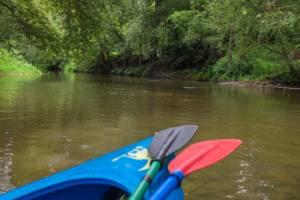 początek spływu Kajakowego rzeką Świder