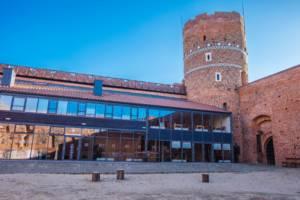 Nowoczesna dobudówka na Zamku w Ciechanowie