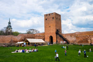 Zamek w Czersku dziedziniec