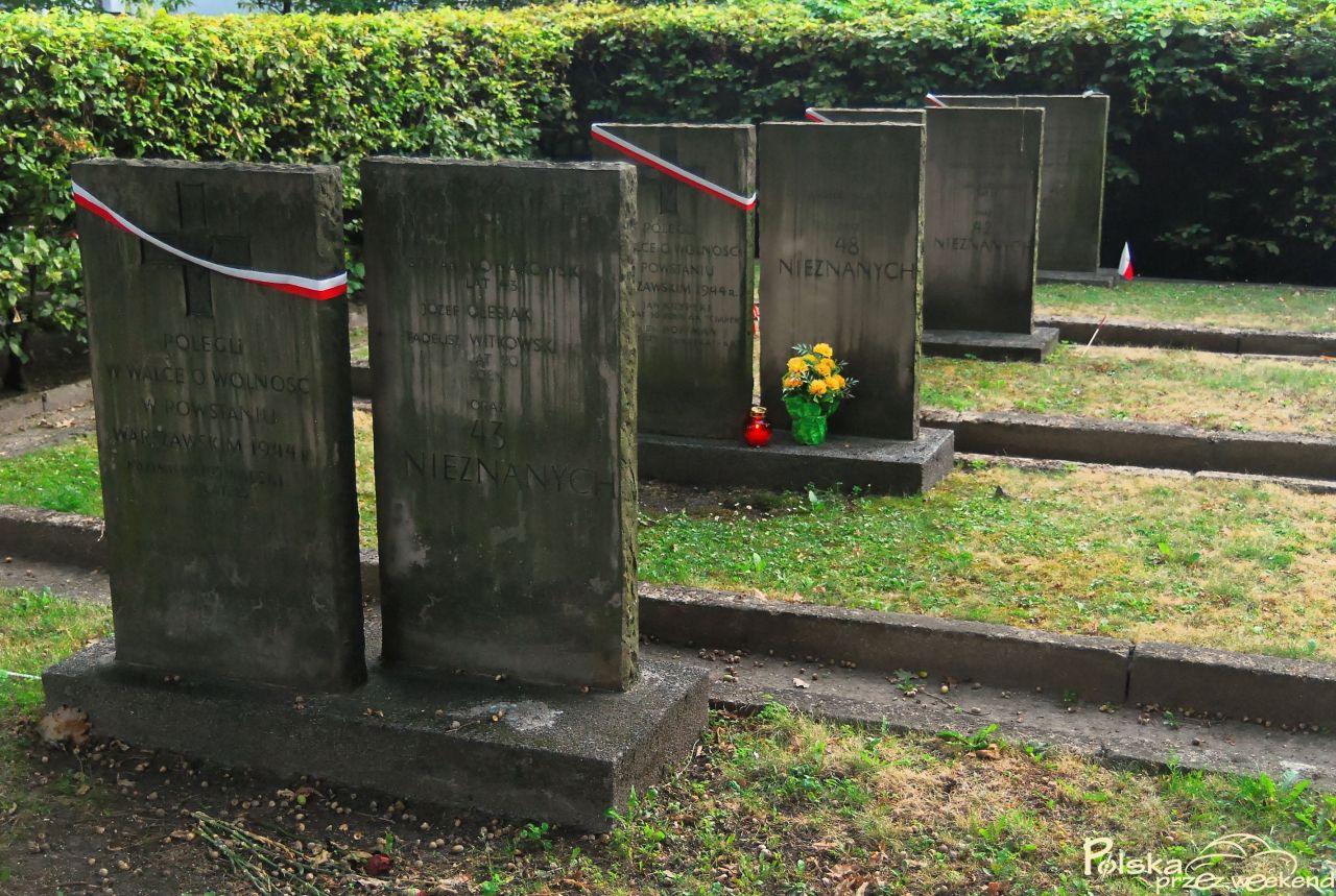 cmentarzu-powstancow-warszawy05-2
