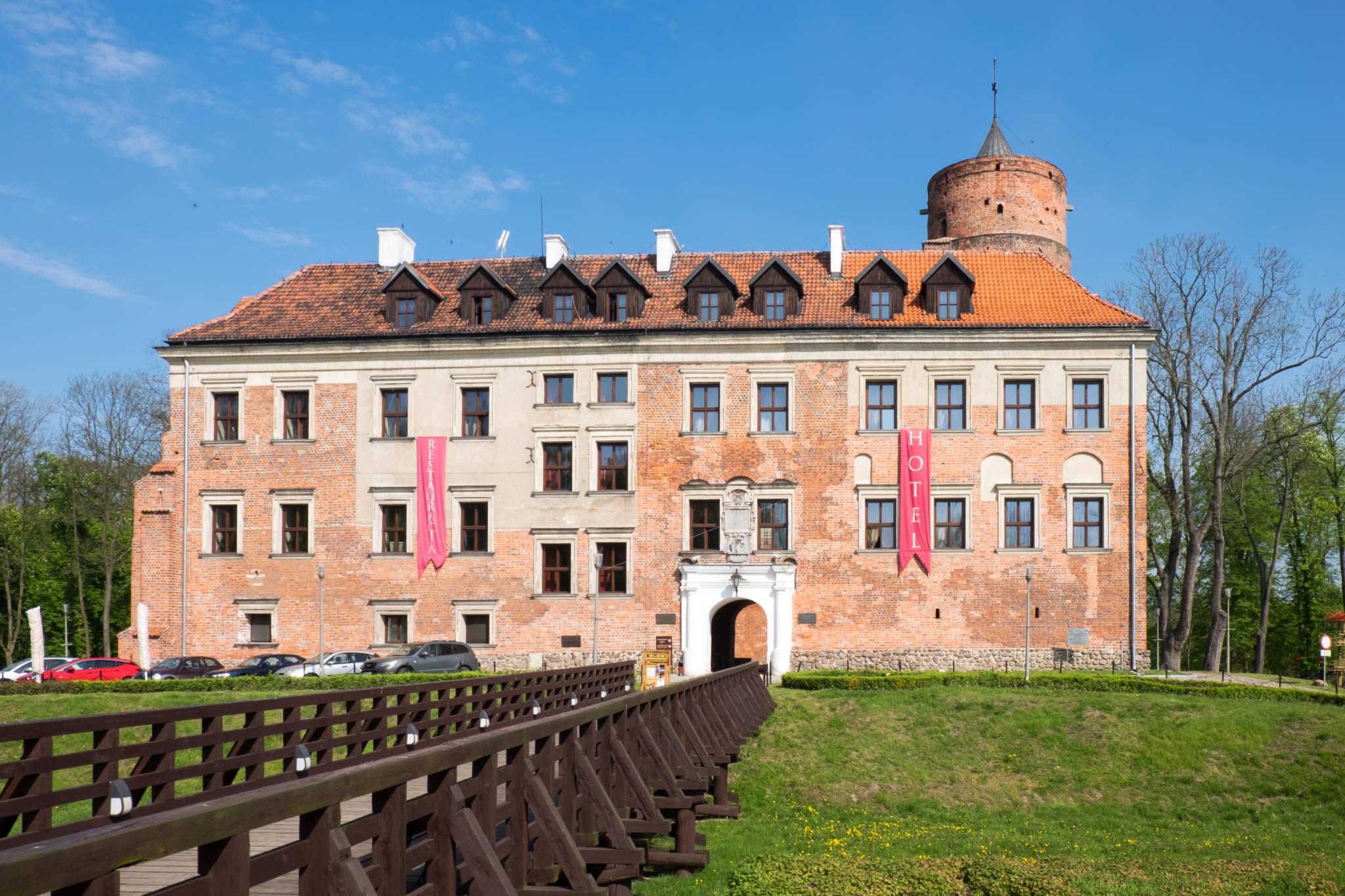 Uniejów zamek (1 of 10)
