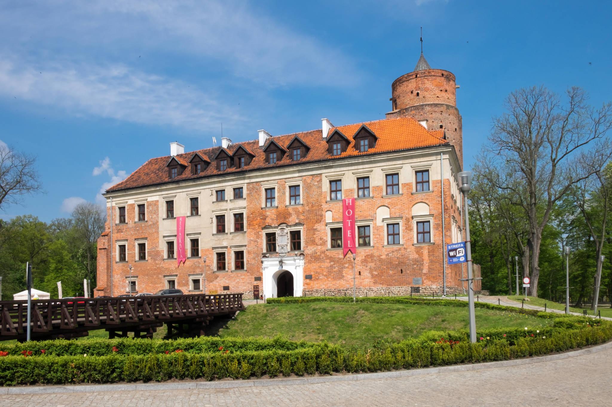 Uniejów zamek (10 of 10)