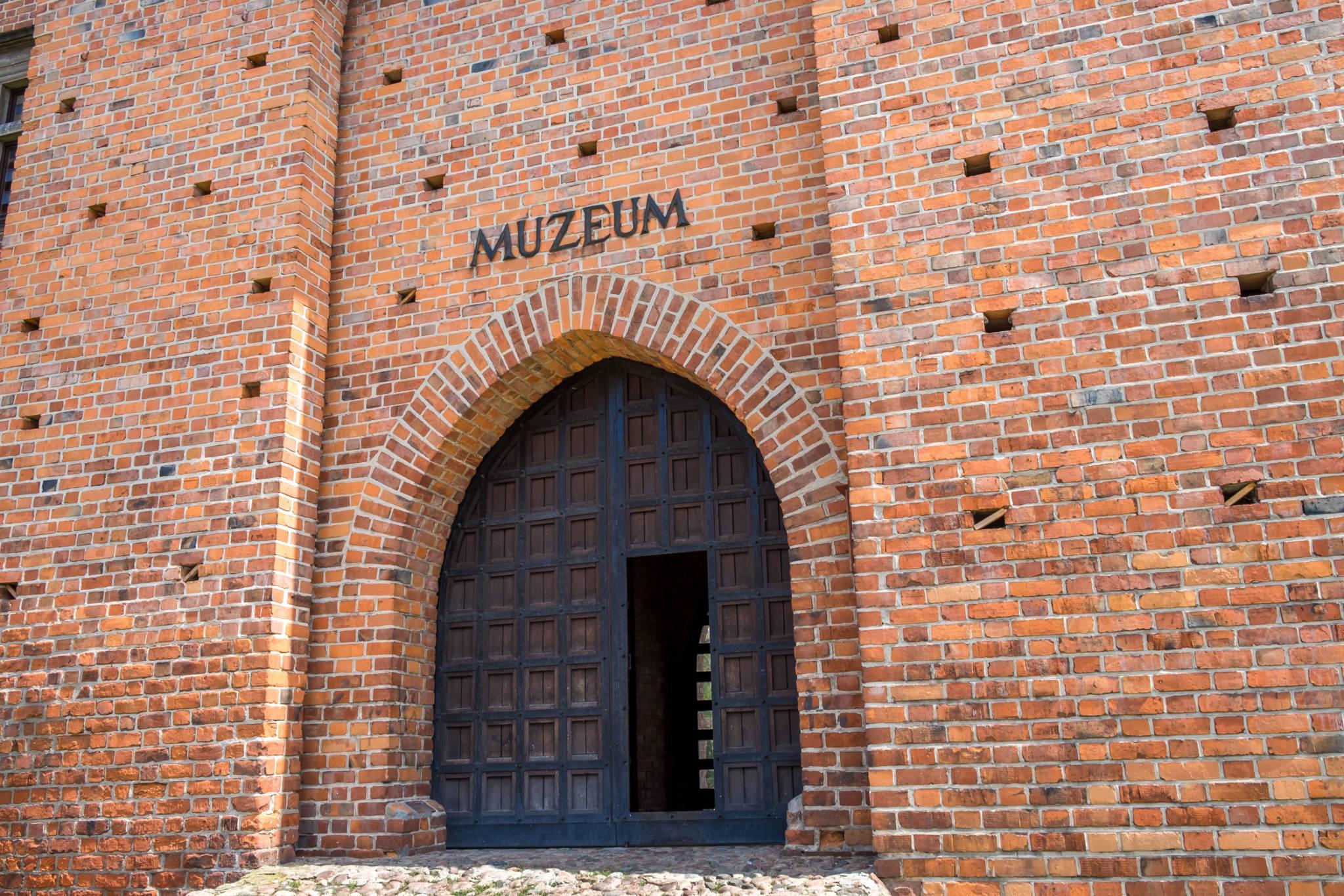 Zamek w Łeczycy (4 of 13)