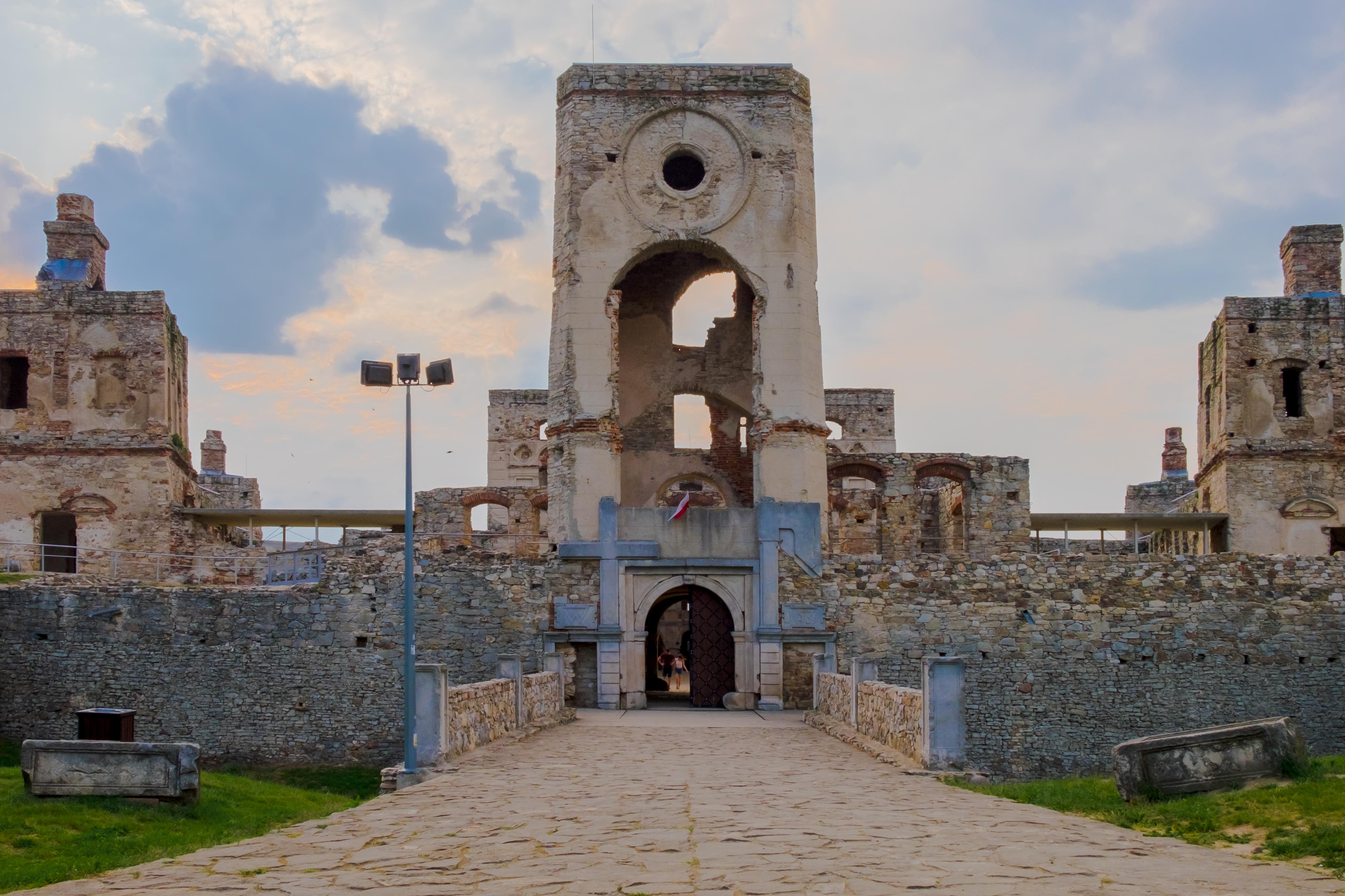 zamek krzyżtopór po 1-2