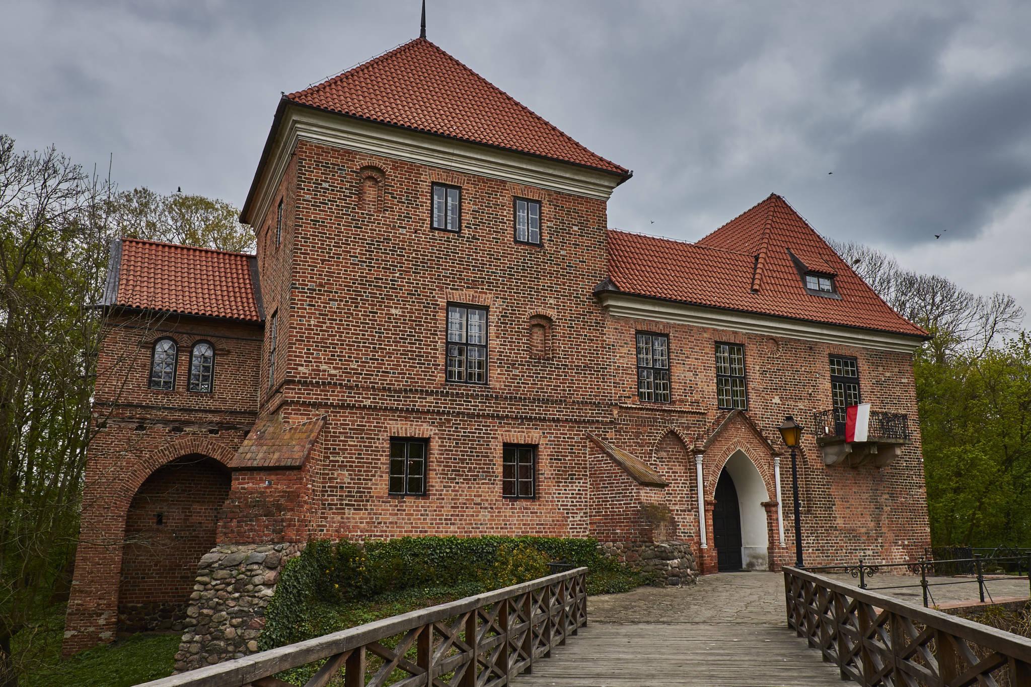 Zamek Oporów_1